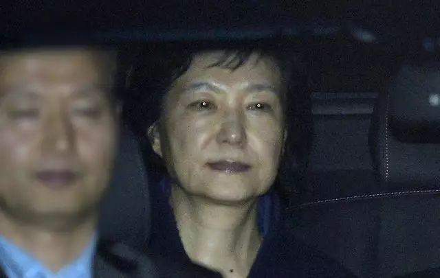 朴槿惠被逮捕啦!住6.5平牢房、吃9元牢飯……昔日總統監獄生活大起底!