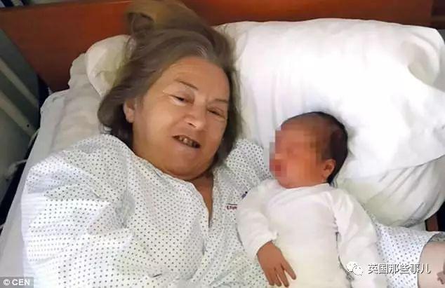 她熬到60歲終於生下一個可愛的女兒。然而孩子一聲啼哭,一切都變了