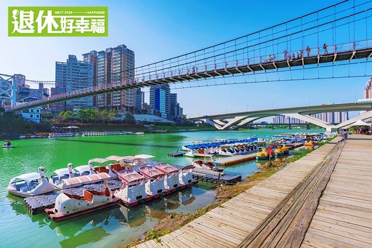4大景點,搭台北捷運,走覽湖光景致!昔日台灣八景之一的「新店碧潭公園」夜晚更浪漫