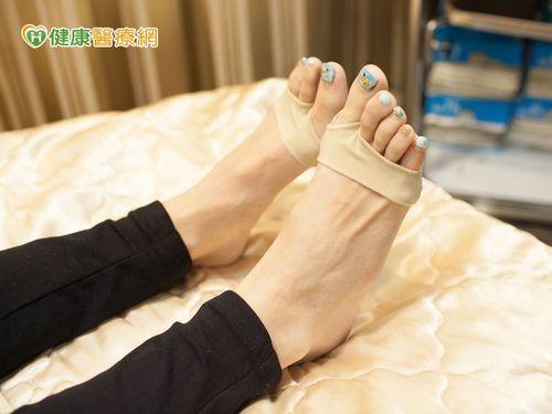 長期穿著跟鞋的女性尤為腳紋所困擾。
